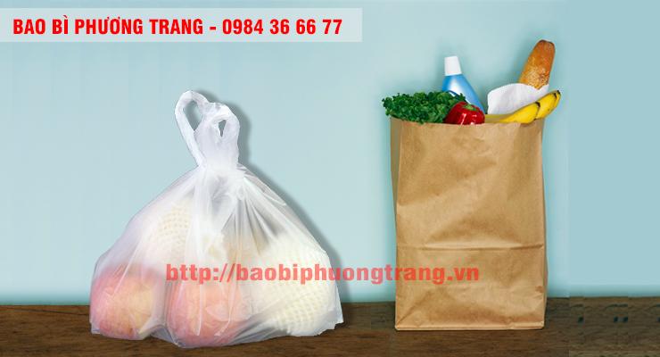 bạn chọn túi nilon hay túi giấy sẽ đựng hàng hoá tốt hơn