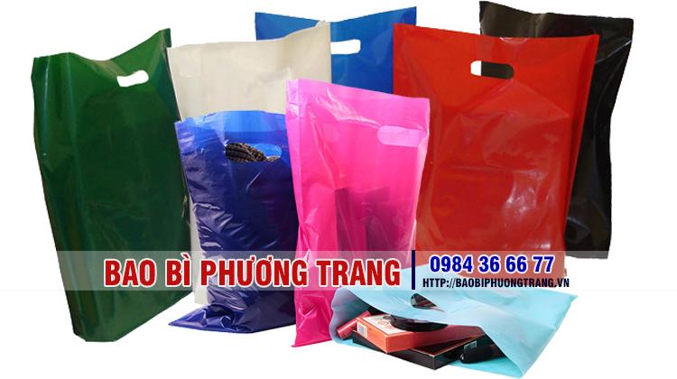 túi pe đựng quần áo và cửa hàng bán mỹ phẩm